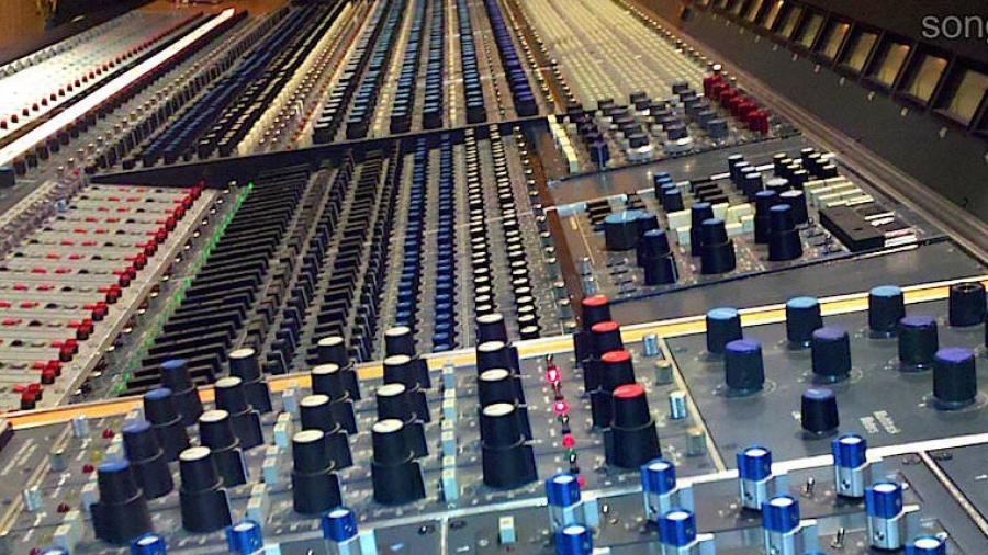 Neve 8078 recording mixing console