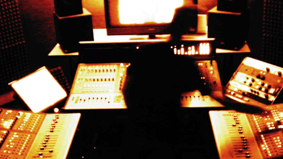 How To Become a Mixing Engineer
